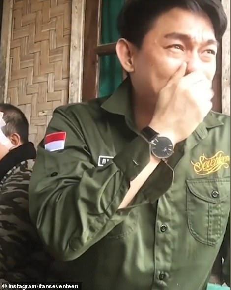 Indonesia: Thành viên ban nhạc bị sóng thần cuốn kể phút hãi hùng - 1