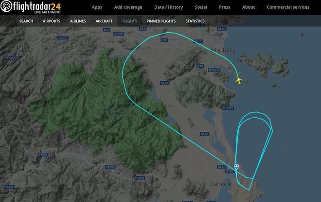 Nóng 24h qua: Đường đi lạ của máy bay Vietjet trước khi hạ cánh nhầm đường băng - 1
