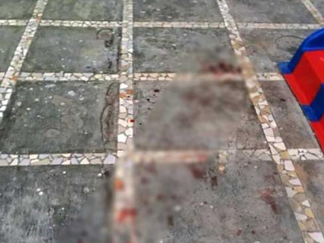 Chơi dưới chung cư, bé trai 3 tuổi bị gạch rơi trúng đầu tử vong