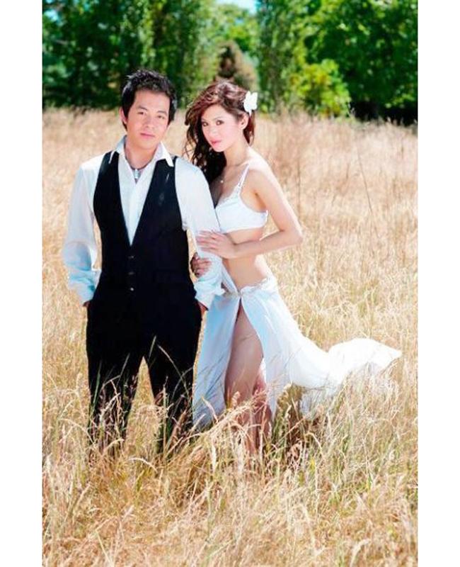 Trong thời gian yêu Quang Lê, hai người cùng nhau hỗ trợ sự nghiệp.