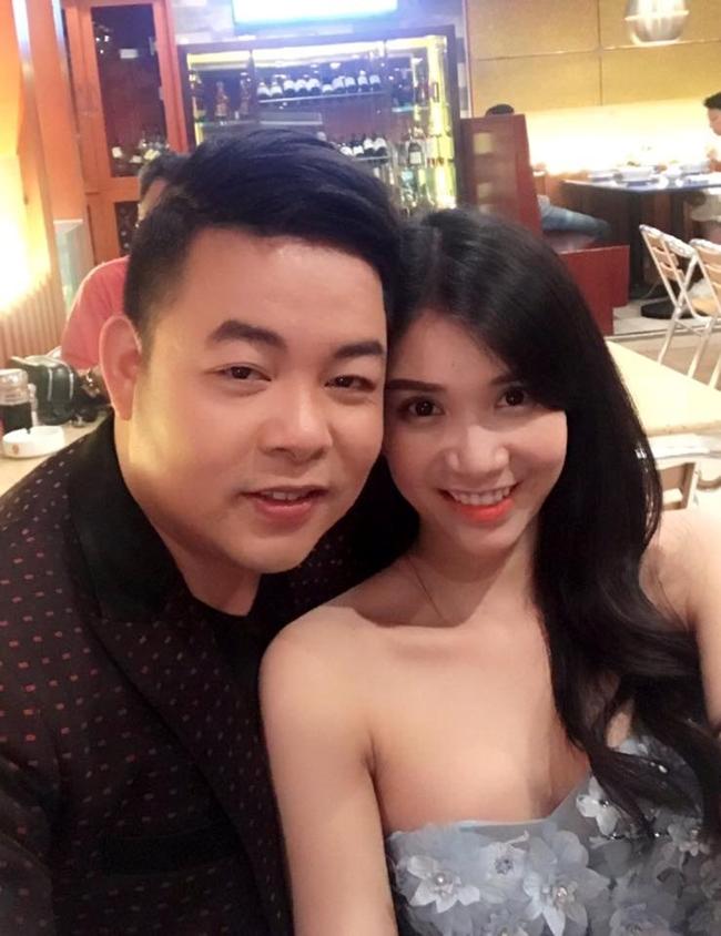 Cuối năm 2015, Quang Lê công khai hẹn hò diễn viên Lại Thanh (Thanh Bi). Tuy nhiên, đến giữa tháng 7.2017, anh bất ngờ thông báo đã chia tay bạn gái hot girl.