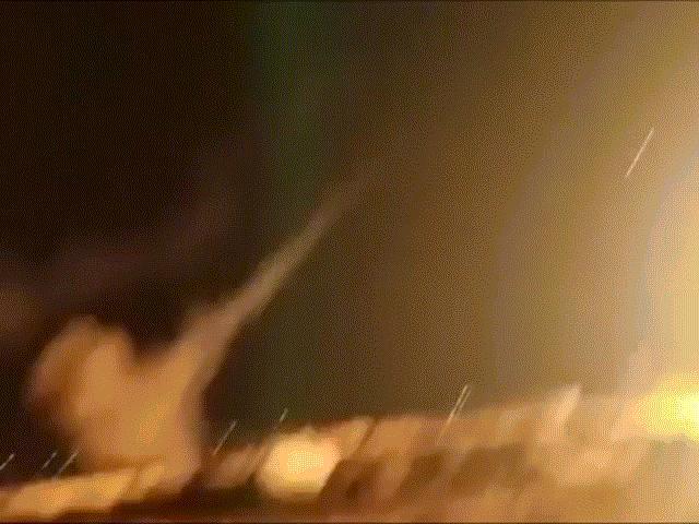 Thông điệp sắc lạnh của Israel khi đột nhiên nã tên lửa Syria dữ dội