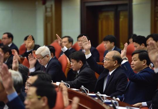 Ông Tất Thành Cang bị cách chức Phó Bí thư Thường trực, thôi chức Ủy viên Trung ương - 1