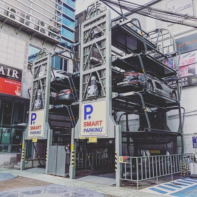 Khu vực đậu đỗ xe hơi tự động, tiết kiệm tối đa diện tích.