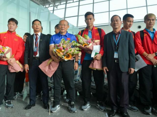 ĐT Việt Nam sang Qatar chờ đấu Asian Cup: Khí thế dâng cao
