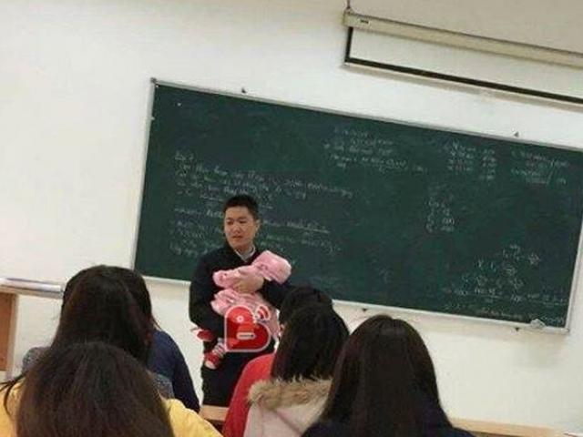 Những thầy cô 'đốn tim' học trò kiểu siêu dễ thương