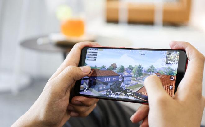 """TOP smartphone """"khét tiếng nhất"""" trong phân khúc 6 triệu đồng cho người Việt - 1"""
