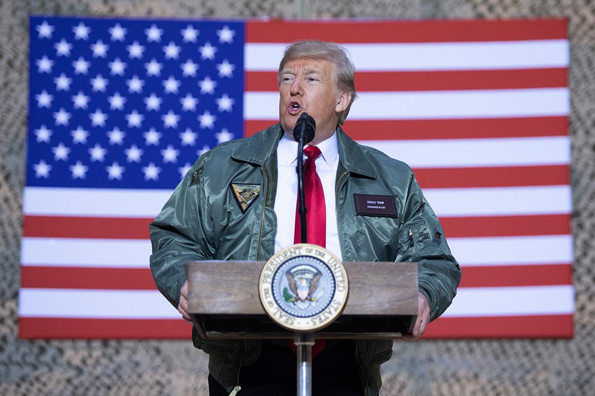 Siêu máy bay bí mật chở ông Trump đến Iraq đã bị lộ như thế nào? - 1