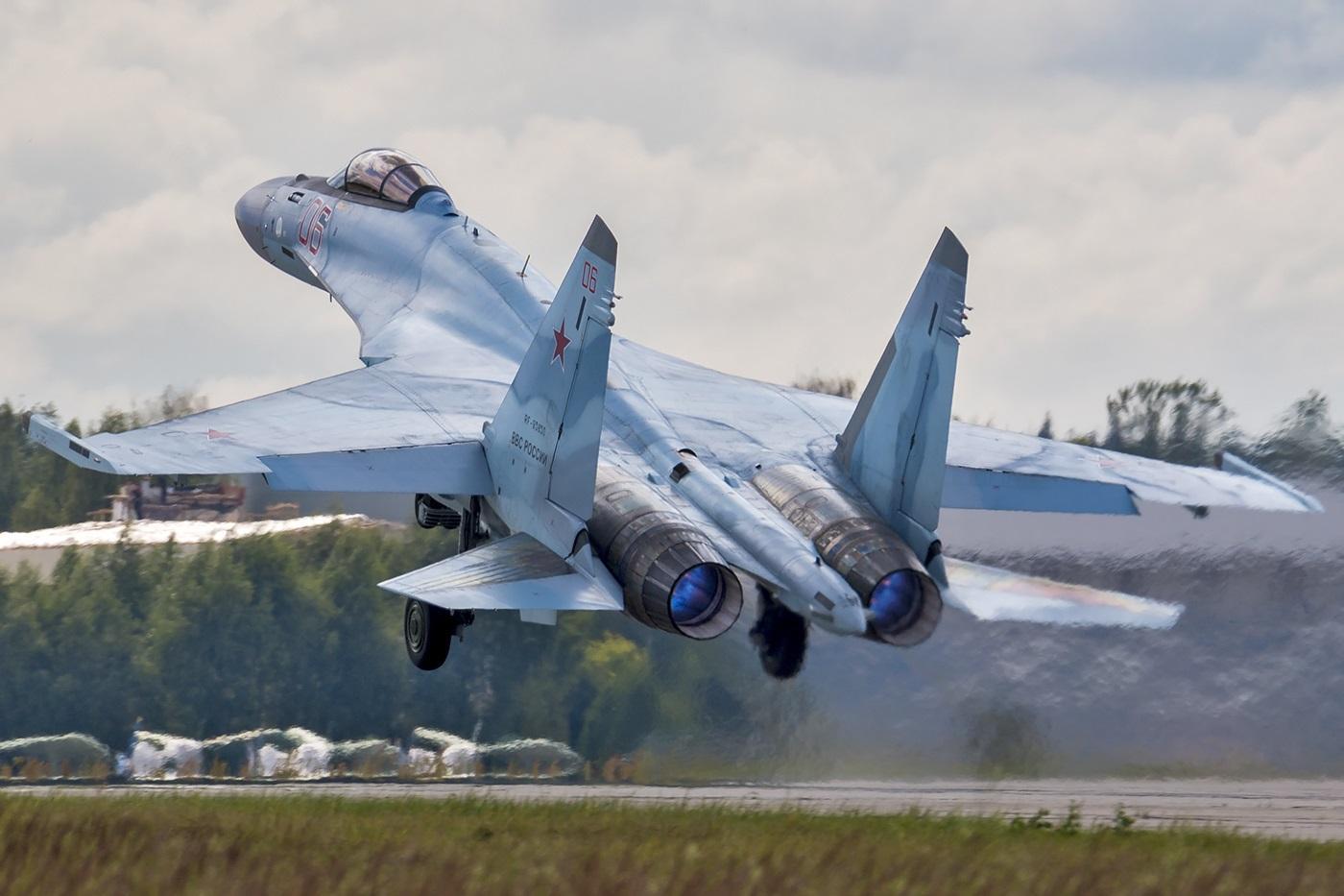 """Lý do tiêm kích Su-35 Nga """"thèm khát"""" đối thủ để tiêu diệt - 1"""