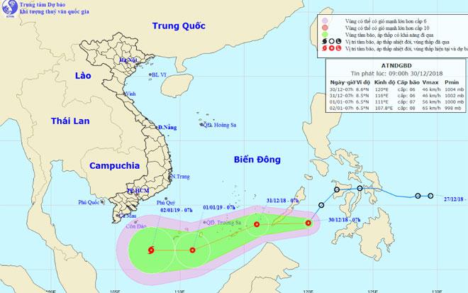Áp thấp nhiệt đới giật cấp 8 tăng tốc vào Biển Đông, khả năng mạnh thành bão - 1