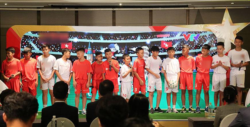 """Hồng Sơn tìm kiếm cầu thủ nhí Việt """"kỹ thuật như Messi,chuyên nghiệp như Ronaldo"""" - 1"""