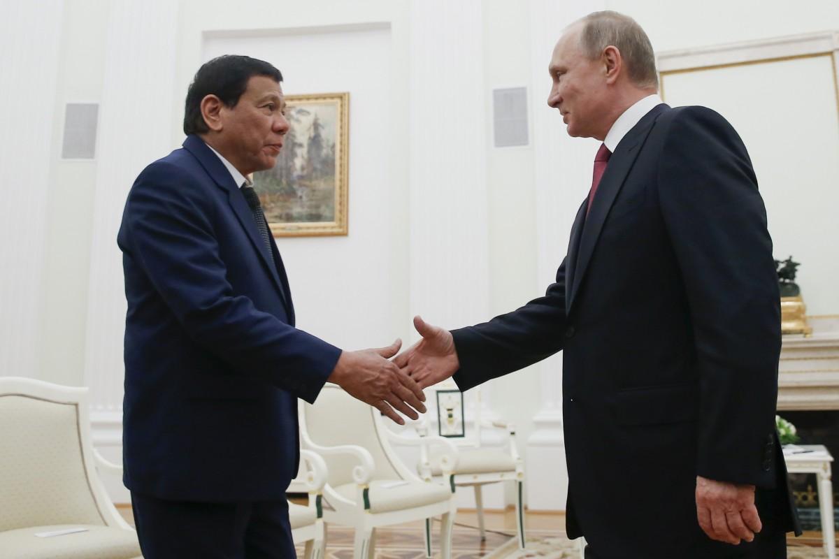"""Tổng thống Philippines đến Nga gặp """"thần tượng"""" Putin - 1"""