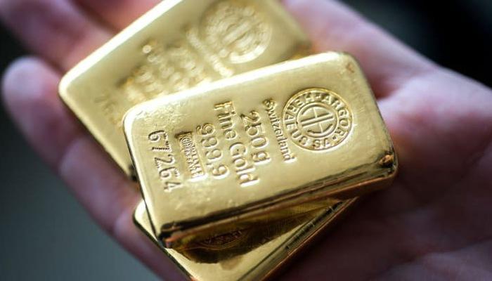Giá vàng hôm nay 3/10: Giới đầu tư hoảng loạn, vàng bật tăng sốc - 1