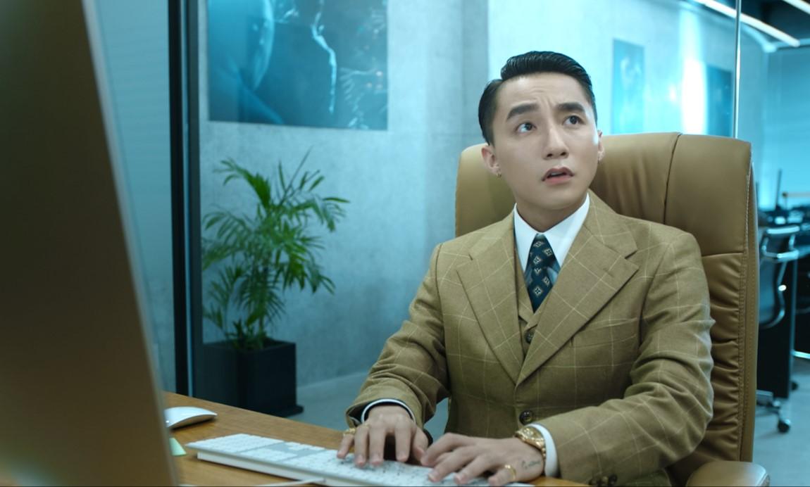 """Sơn Tùng lại gây """"sốt"""" khi lộ vẻ sợ hãi trong teaser 9 giây phim kinh dị - 1"""