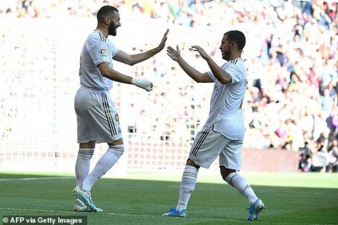"""Video highlight trận Real Madrid - Granada: Đại tiệc mãn nhãn, hú vía vì """"kẻ đóng thế"""" (Vòng 8 La Liga) - 1"""