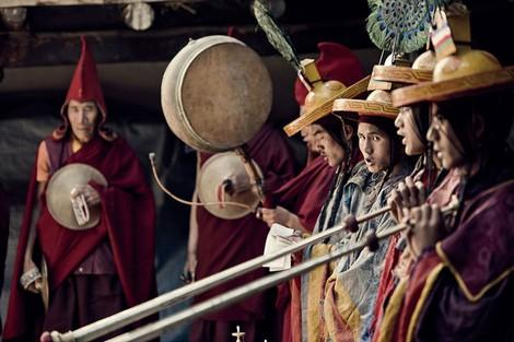 """Bộ tộc anh em một nhà lấy chung vợ để """"tiết kiệm"""" đất ở Tây Tạng - 1"""