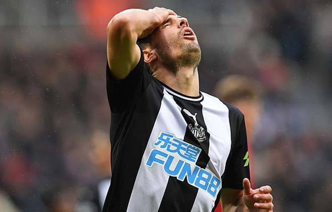Video highlight trận Newcastle - MU: SAO trẻ bừng sáng với cú sút xa (Vòng 8 Ngoại hạng Anh) - 1