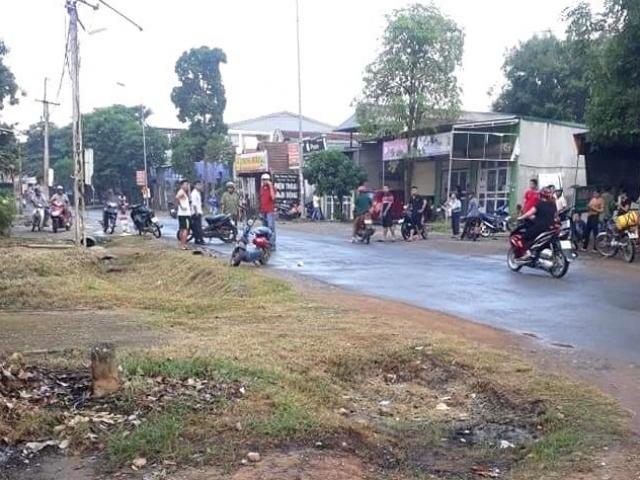 Truy đuổi người đàn ông đi xe đạp điện, dùng búa đánh tử vong giữa đường