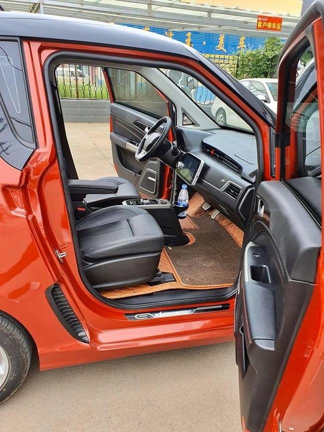 Với kiểu xe này có 3 dòng với mức giá từ 98.000 bath đến 135.000 bath (~75 triệu đồng - 103 triệu đồng).