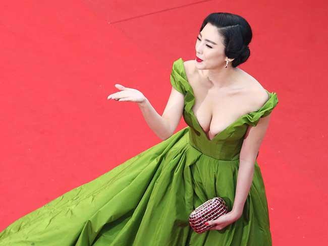 Trương Vũ Kỳ là mỹ nhân nóng bỏng nhất trong phimChâu Tinh Trì.