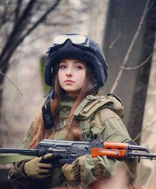 Một trong những hình ảnh rất nổi tiếng của lính Nga trong bộ quân phục, từng được lan truyền mạnh mẽ trên mạng xã hội.
