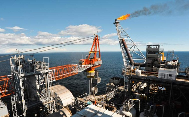 Với trữ lượng dầu mỏ lớn, vào giữa năm 2020, sản lượng dầu mỏ ngoài khơi của Guyana có thể tăng lên mức 400.000 thùng mỗi ngày.