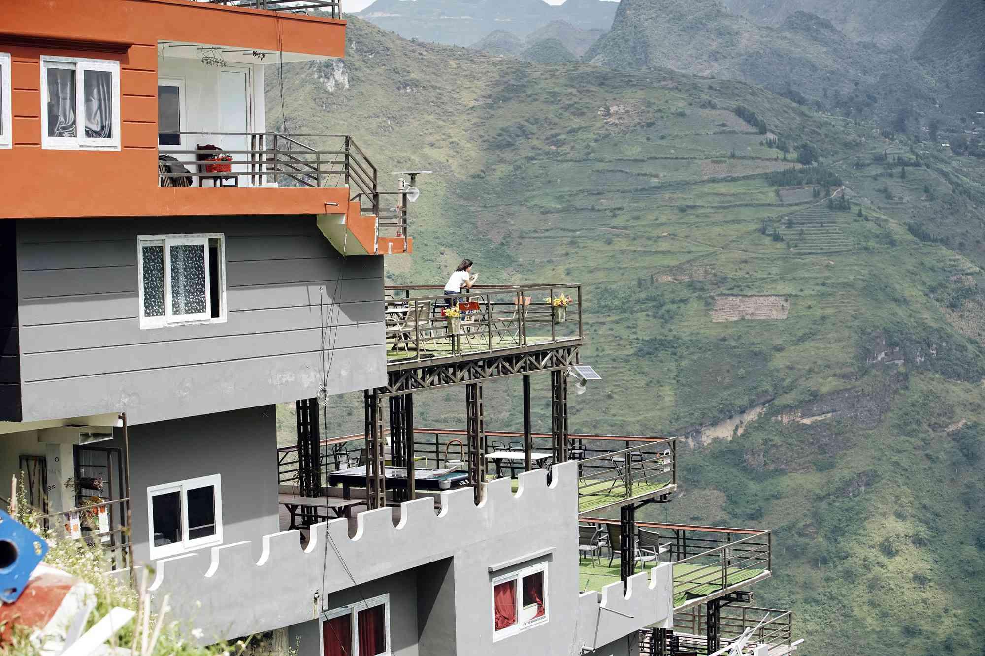 Đề xuất phá dỡ 7 tầng nổi công trình Panorama sai phạm ở đèo Mã Pí Lèng - 2