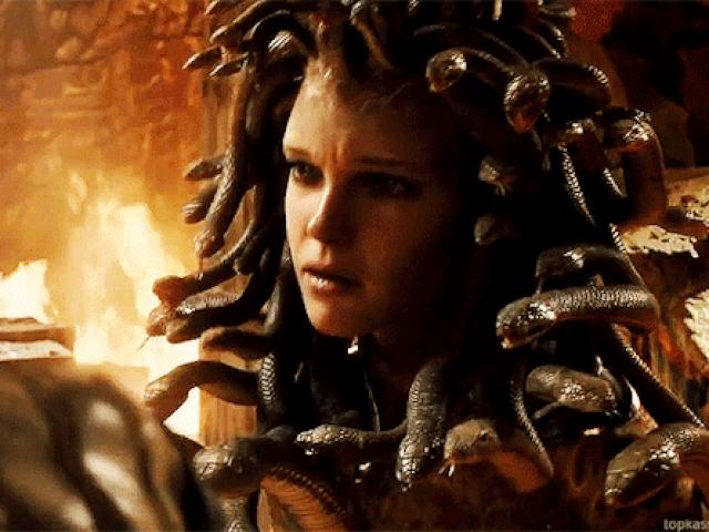 Quỷ Medusa có tóc hóa rắn và các quái vật đáng sợ nhất trong thần thoại Hy Lạp