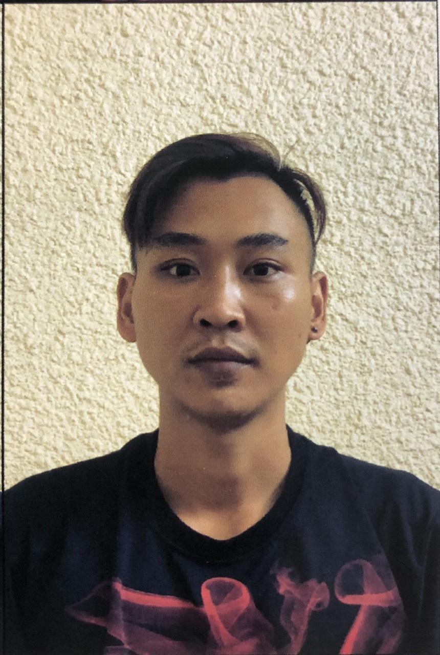 Chở nữ nhân viên karaoke ra cầu hiếp dâm, đánh đập rồi lột sạch tài sản - 1