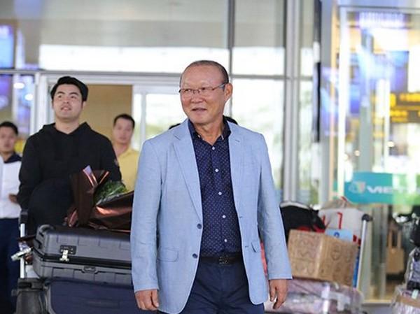 Vì sao người đại diện HLV Park Hang Seo bất ngờ đến trụ sở VFF? - 1