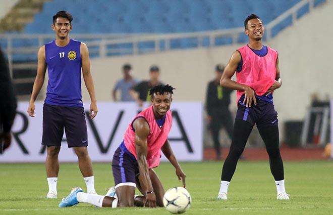"""Ngôi sao nhập tịch ĐT Malaysia hứa không chơi """"ngớ ngẩn"""" trước Việt Nam - 1"""