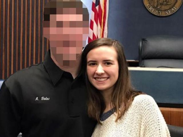Cô giáo 22 tuổi gửi ảnh khỏa thân và lên giường với học sinh đối mặt 20 năm tù