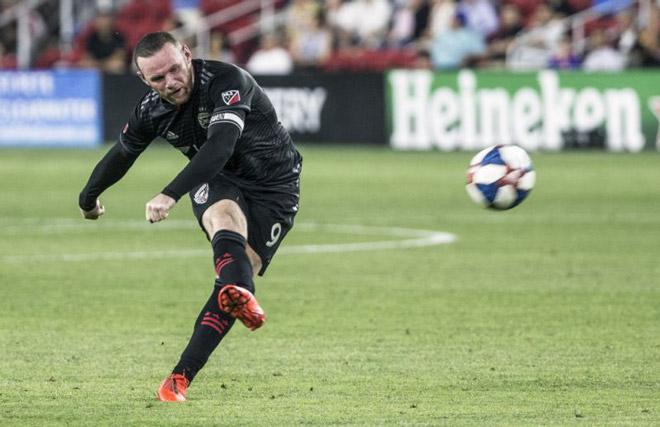 Rooney - Ibrahimovic khuynh đảo bóng đá Mỹ, tranh bàn thắng đẹp nhất năm - 1