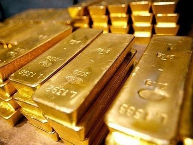 Giá vàng hôm nay 11/10: Để mất mốc quan trọng, vàng tuột dốc không phanh