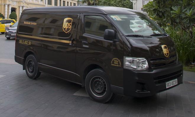 """UPS giúp người mua hàng online biết từng """"chân tơ kẽ tóc"""" của gói hàng - 1"""
