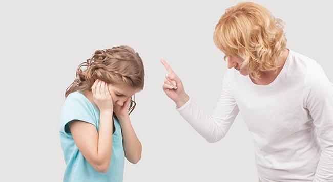 Khi con nổi loạn, tức giận, cha mẹ đừng la mắng mà hãy áp dụng 5 cách này - 1