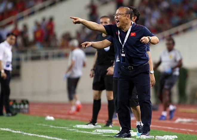 """Tan Chang Hoe thêm một lần đau trước Park Hang Seo: Ai mới là """"Phù thủy""""? - 1"""