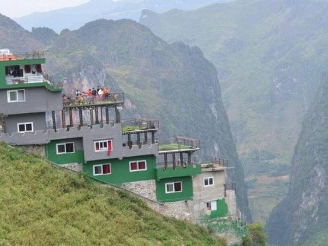 Khách sạn trên đèo Mã Pí Lèng phủ xanh, lãnh đạo địa phương không biết?!