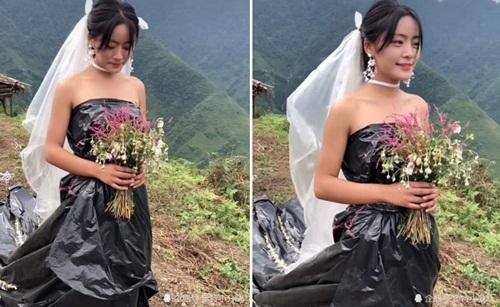 Quá xinh đẹp, cô gái lấy túi rác làm váy cũng khiến bao người mê mẩn - 1