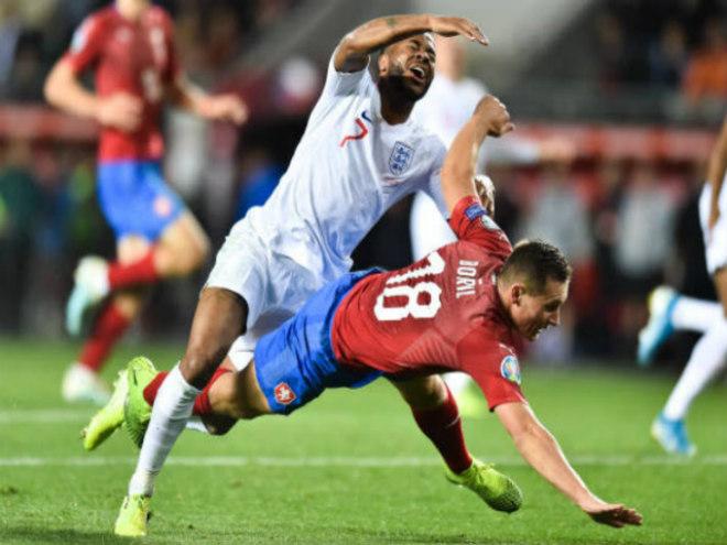 """Video highlight trận CH Séc - Anh: Penalty """"mở khóa"""", ngược dòng phút 85 - 1"""
