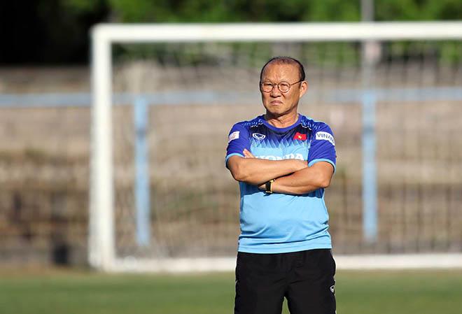 """HLV Park Hang Seo """"chỉnh"""" Công Phượng, Văn Toàn để ĐT Việt Nam đấu Indonesia - 1"""