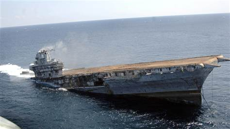 Điều gì xảy ra nếu tàu sân bay Mỹ chở 4.000 binh sĩ bị đánh chìm? - 1