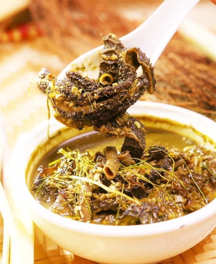 Mùi vị gây choáng của món ăn làm từ phân non động vật ăn cỏ - 1