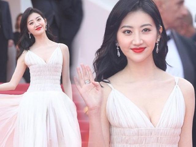 """""""Đệ nhất mỹ nữ Bắc Kinh"""" ăn gì, tập gì để đẹp không chỗ chê?"""