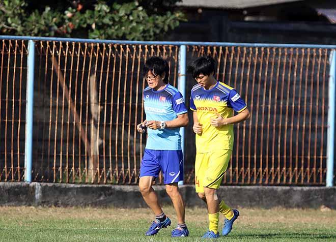 """Tuấn Anh cười tươi tập với """"thần y"""", thầy Park tung """"chiêu"""" đấu Indonesia - 1"""