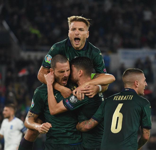 """Video highlight trận Italia - Hy Lạp: Phạt đền bước ngoặt, đồng đội Ronaldo """"chốt hạ"""" - 1"""