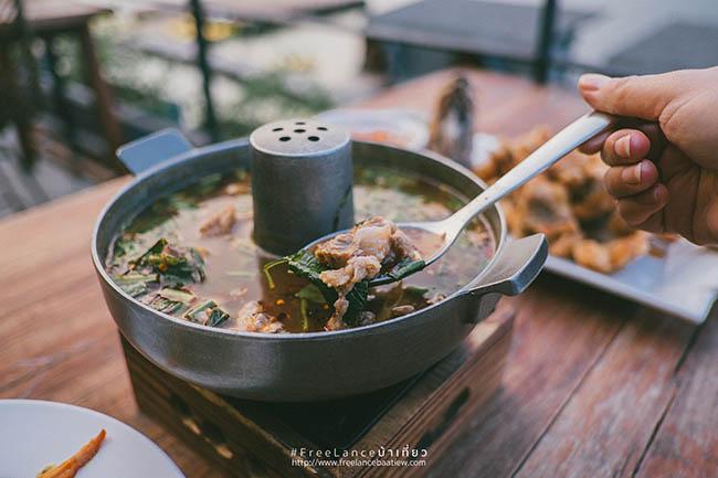 9.Các món ăn đều rất tươi mới mỗi ngày, mọi người có thể yêu cầu đầu bếp làm món mình yêu thích.