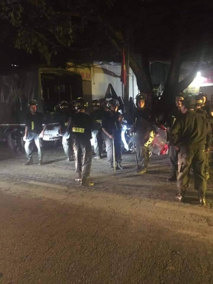 Án mạng kinh hoàng ở HN: Thanh niên vác dao chém thương vong 2 hàng xóm - 1