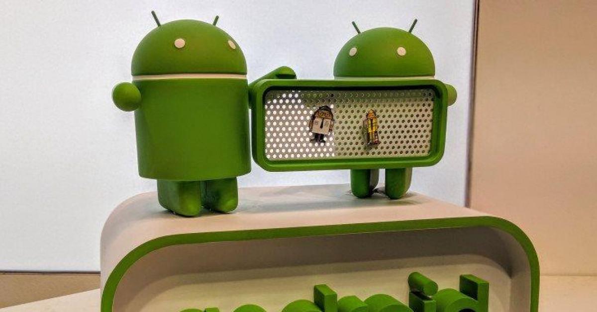 """Chỉ trong 10 năm, Symbian, BlackBerry """"bay màu"""", Android từ số 0 trở thành số 1 thế giới - 1"""
