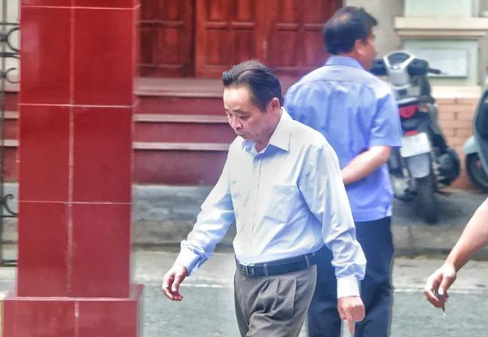 Vắng 101 người, toà xử vụ gian lận điểm thi ở Hà Giang vẫn tiếp tục - 1